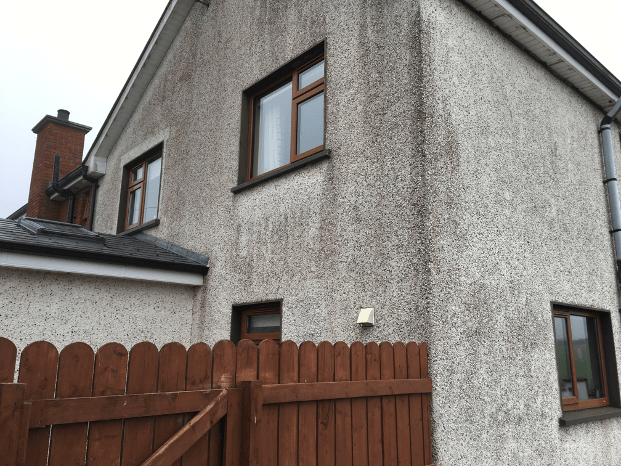 Red algae visible on outer wall of house.